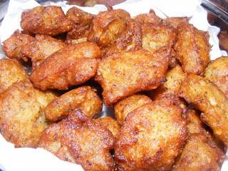 Kunukku (Deep fried lentil snack)