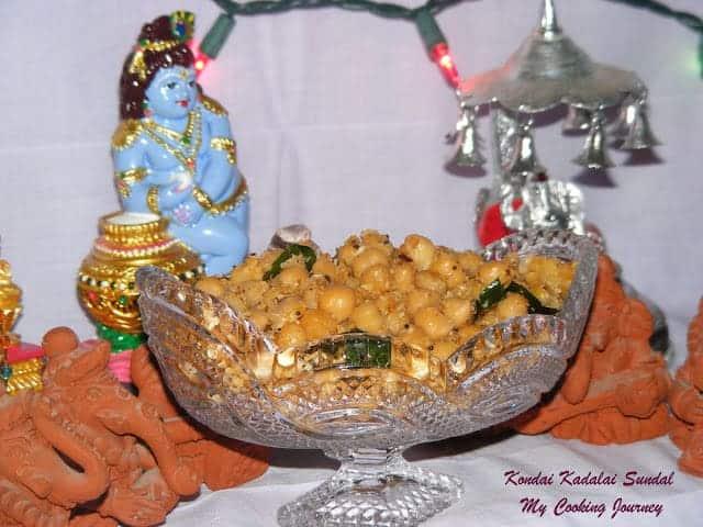 Kondai Kadalai Sundal/Chick peas Sundal