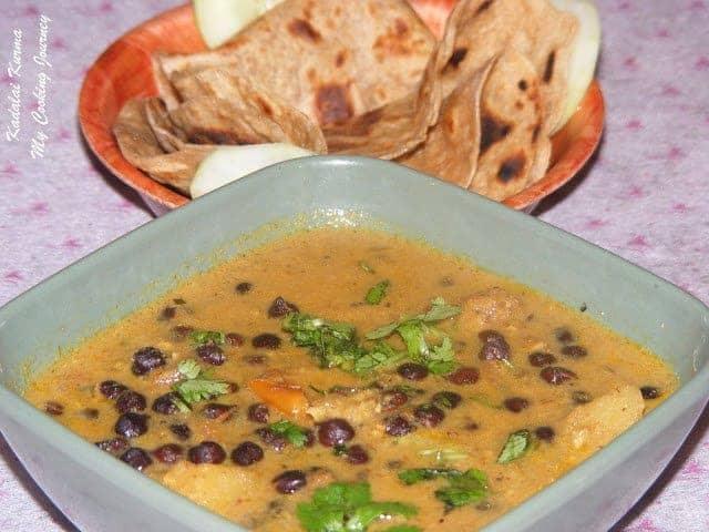 kadalai Kurma garnish with cilantro