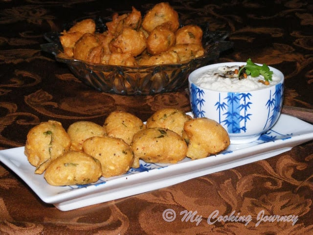 Thavala Vadai with Thengai Chutney (Deep fried Lentil dumplings with Coconut Chutney) BM # 30