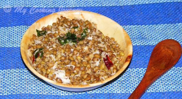 Pachai Payaru Sundal (salt version)/Whole Moong dal Sundal/Muzhu Payaru Sundal