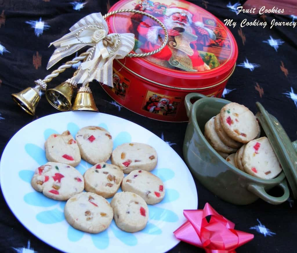 http://www.mycookingjourney.com/2012/12/fruit-cookieschristmas-fruit.html