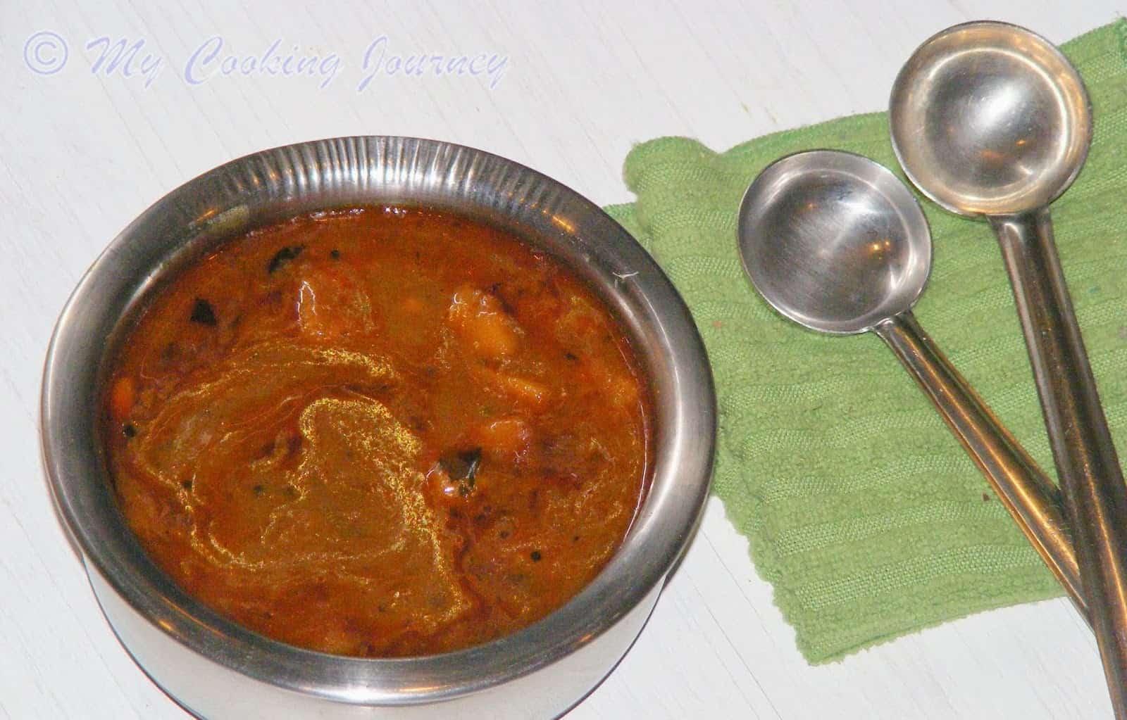 Parangikkai Vathal Kuzhambu / Pumpkin Vathal Kuzhambu