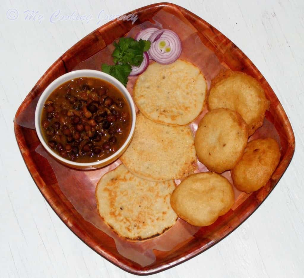 http://www.mycookingjourney.com/2014/04/dhuska-and-ghugni-from-jharkhand-deep.html