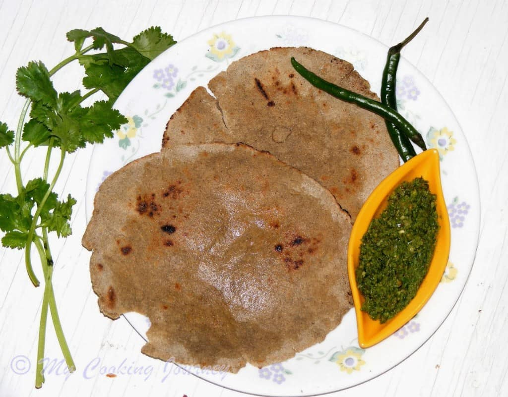 http://www.mycookingjourney.com/2014/04/bajyrya-bhakri-and-harvi-mirchi-thecha.html