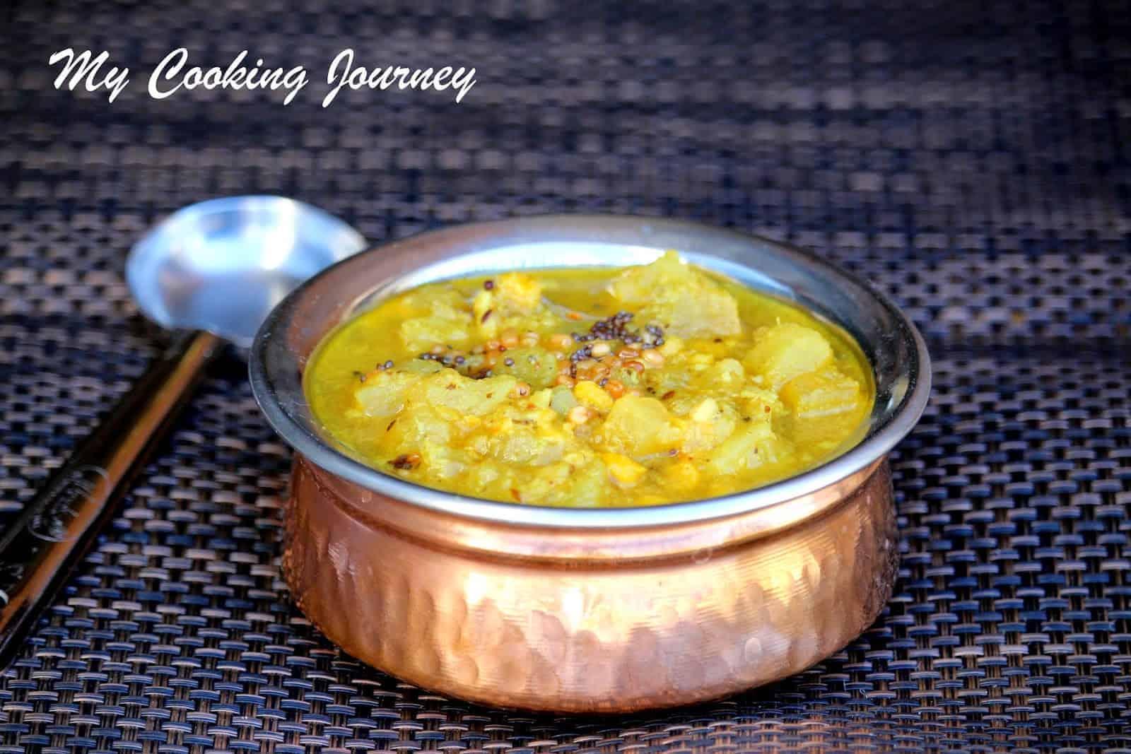 Kerala Style Poosinikkai Kootu Curry