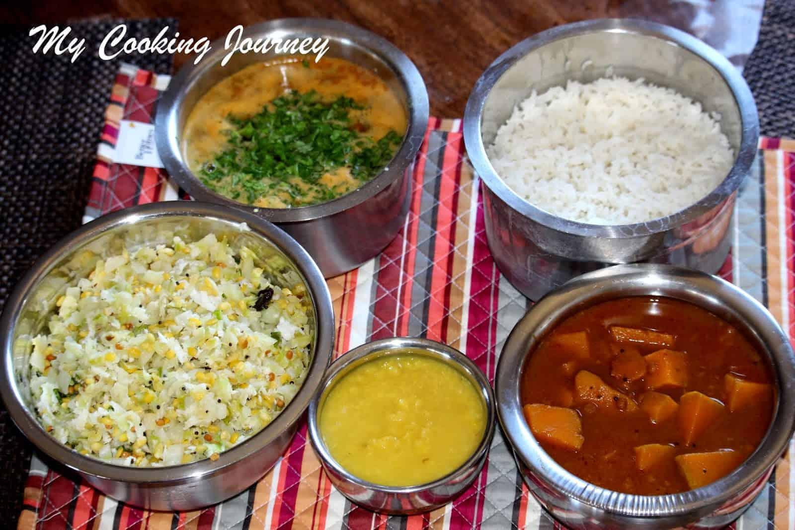 South Indian Lunch Menu # 1 – Pumpkin Vathal Kuzhambu, Cabbage Curry and Tomato Rasam