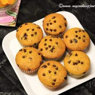 Mango and Chocolate Chips Muffin - Eggless