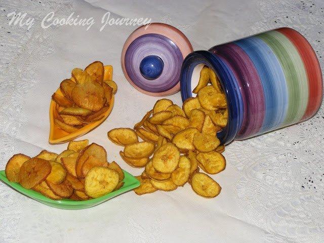 Nenthrangai chips / Raw banana chips