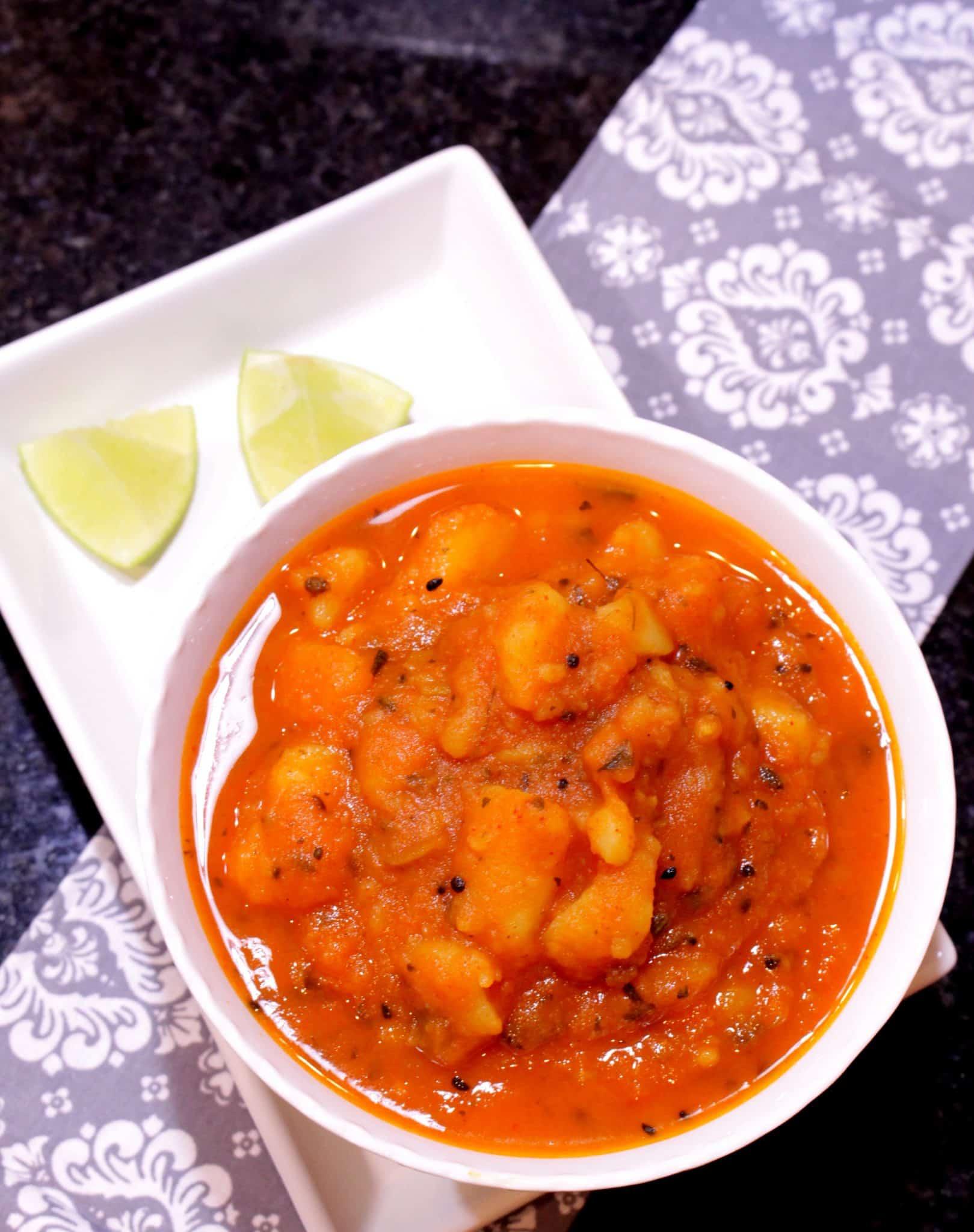 Amritsari Aloo Subzi – Potatoes In Tomato Gravy