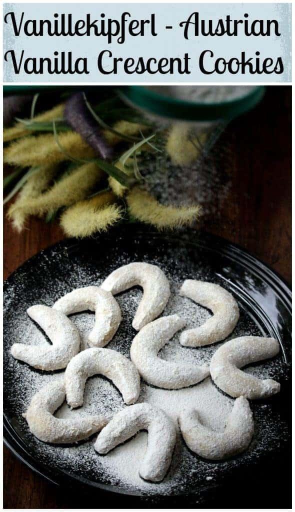 Vanillekipferl | Austrian Vanilla Crescent Cookies