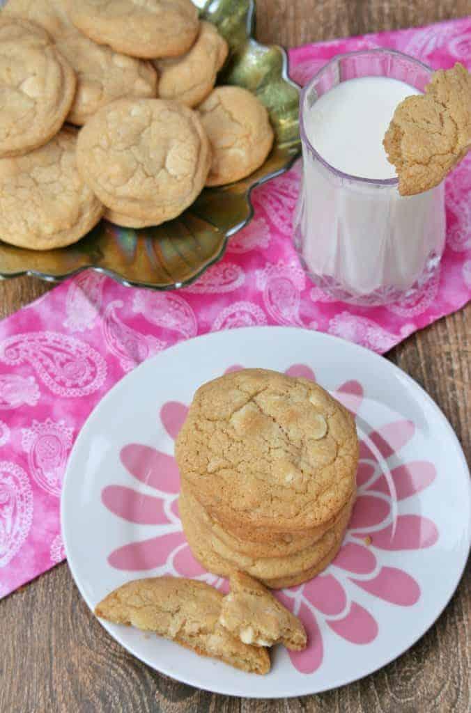 White Chocolate Macadamia Nut Cookies - Subway Style