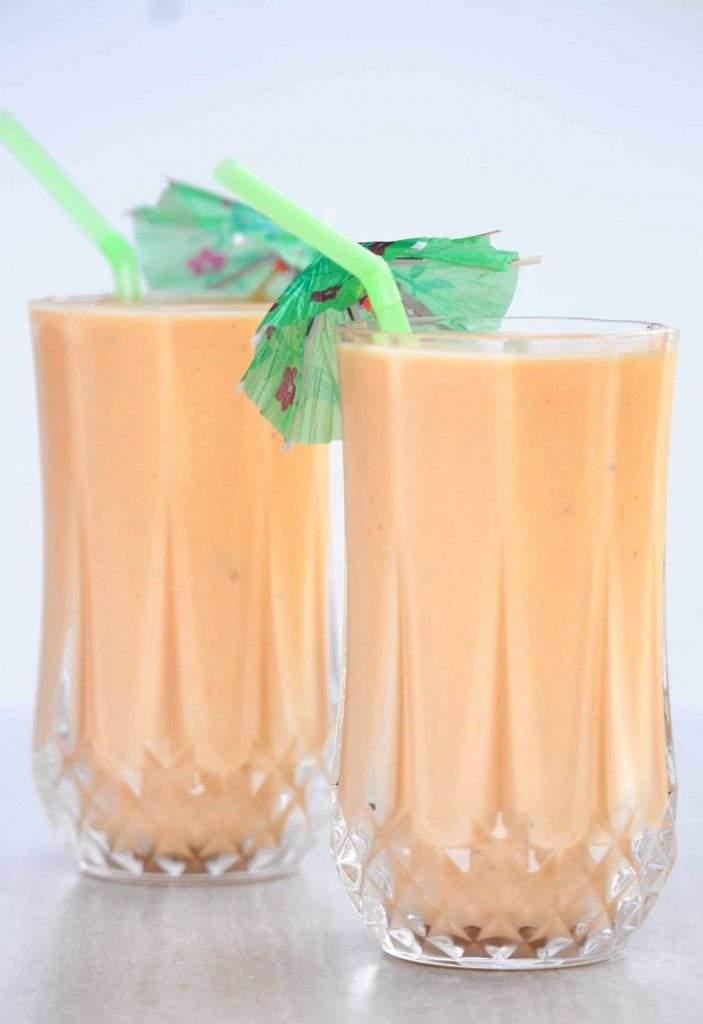 Papaya Lassi | Papaya and Yogurt Smoothie