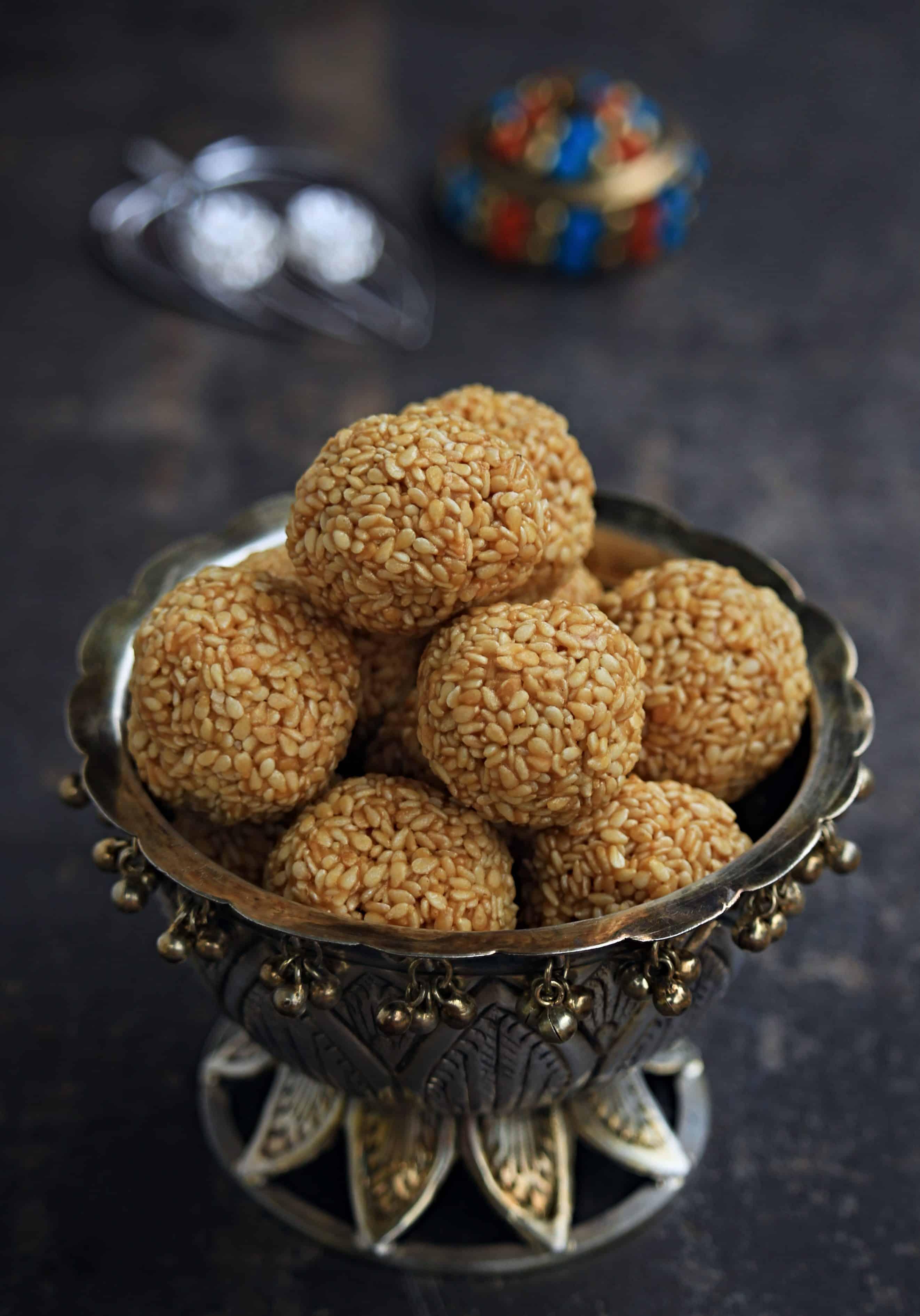 Til Ladoo | Tilgul Ladoo | Sesame Seed Ladoo
