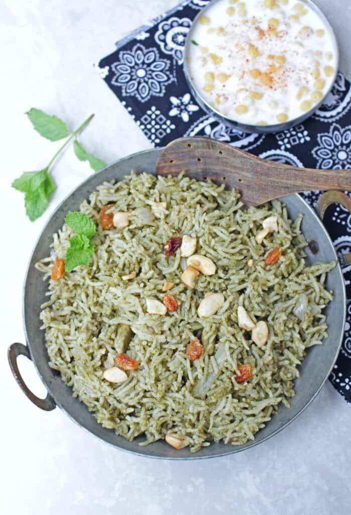 Mint rice served with boondi raita